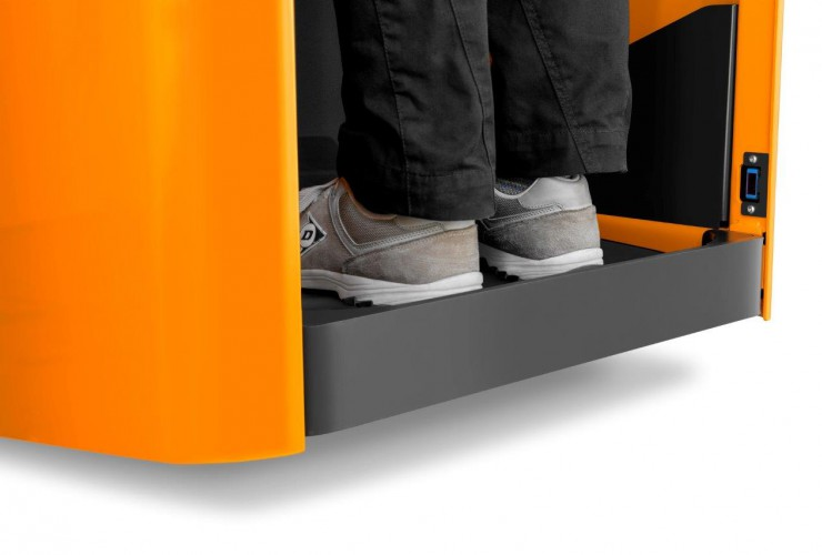 The EXH-S 25 has an air- cushioned stand-on platform that can be adjusted to the individual driver's weight